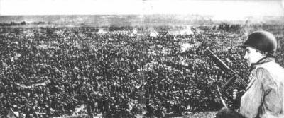 Como las potencias vencedoras trataron al derrotado pueblo alemán al final de la II guerra mundial.