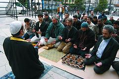 ¿DÓNDE ESTÁN LOS MUSULMANES MODERADOS?  Cosas que se dicen en las mezquitas.
