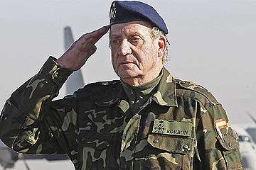 El Rey visita por sorpresa a las tropas españolas en Afganistán.