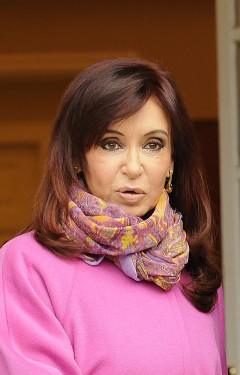 El Gobierno argentino quiere adelantar cuatro meses las elecciones legislativas.